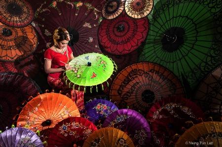 The arts of umbrella painting