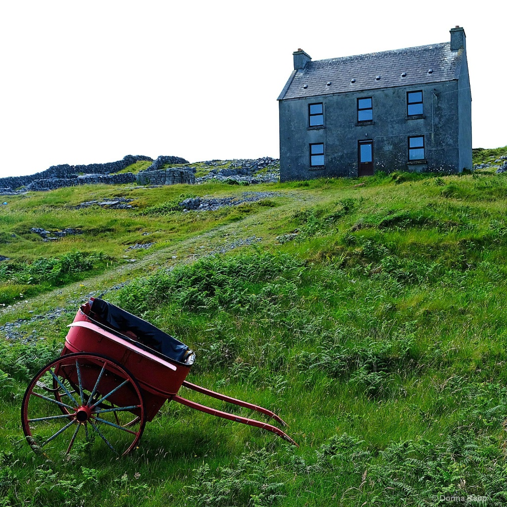 Bed and Barrow - ID: 15572729 © Donna Rapp