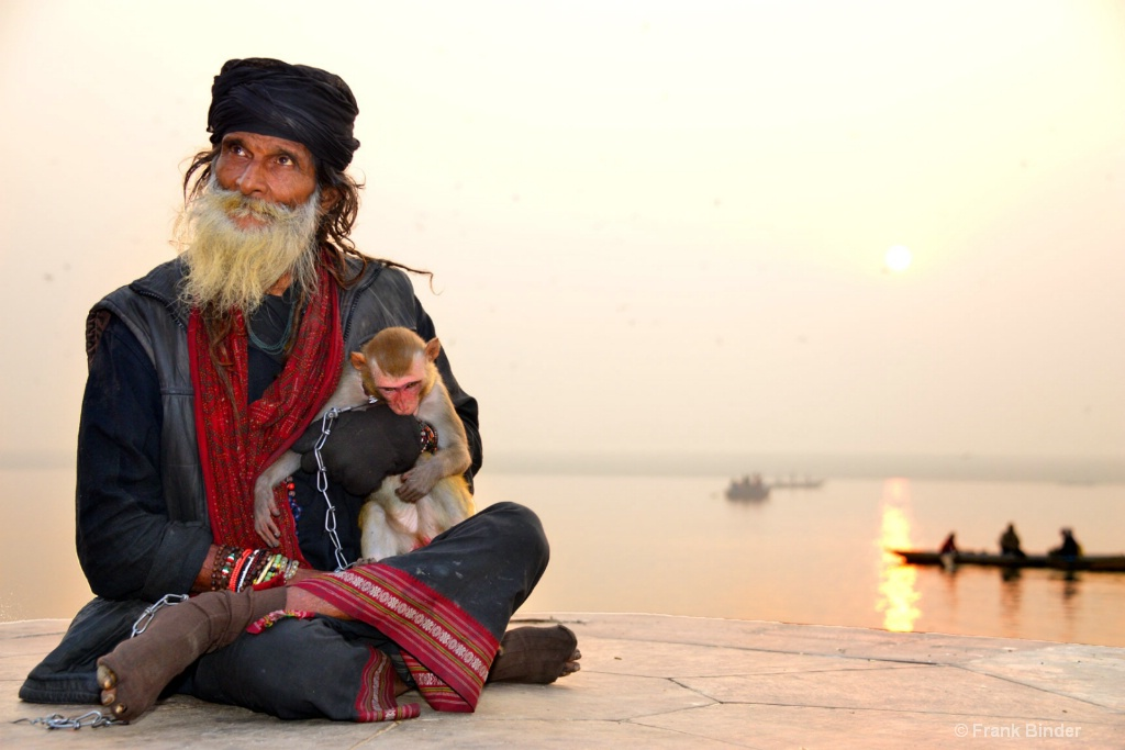 Sadhu with friend - ID: 15573369 © Frank Binder