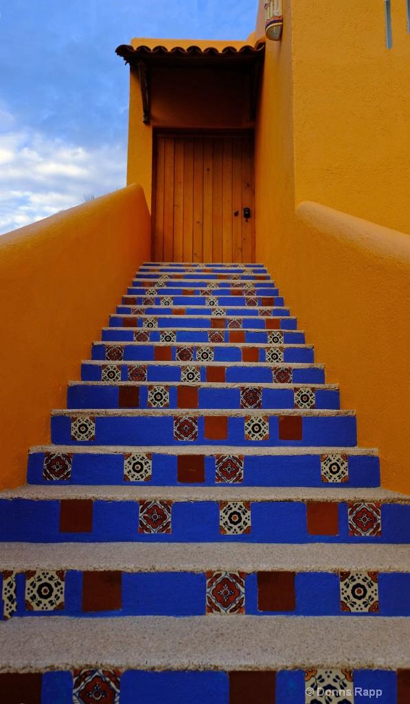 Baja tile stairs - ID: 15577413 © Donna Rapp