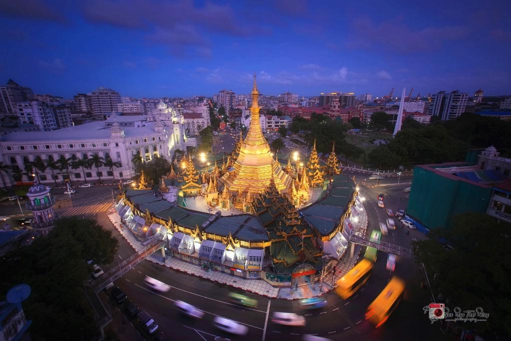 Yangon Downtown - ID: 15582530 © Pyae Phyo Thet Paing