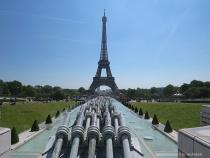 Shooting the Eiffel Tower