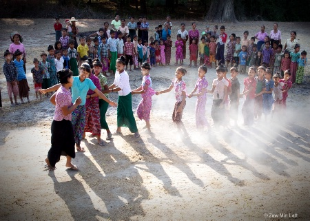 Myanmar children playing
