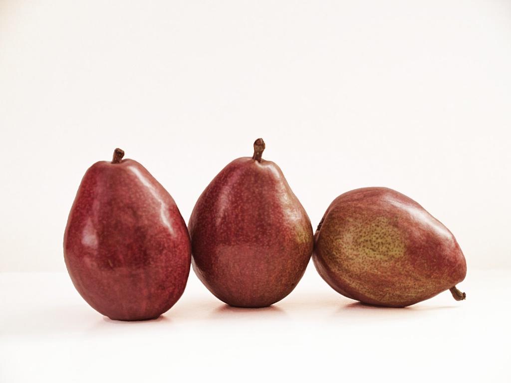 Red Pears - ID: 15611379 © Susan Johnson