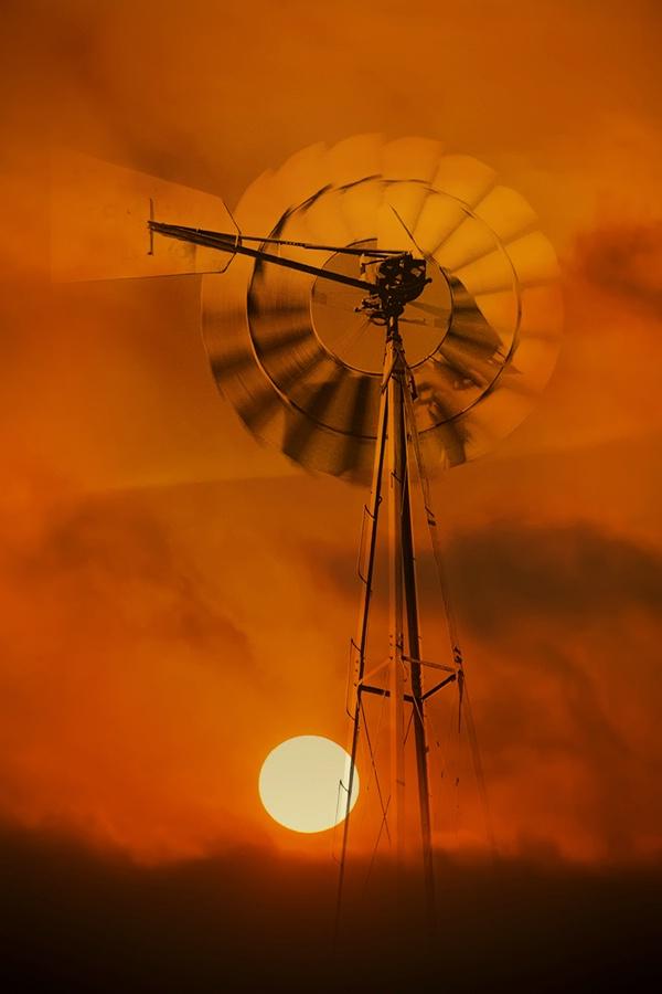 Solar Winds - ID: 15613651 © Jeff Robinson