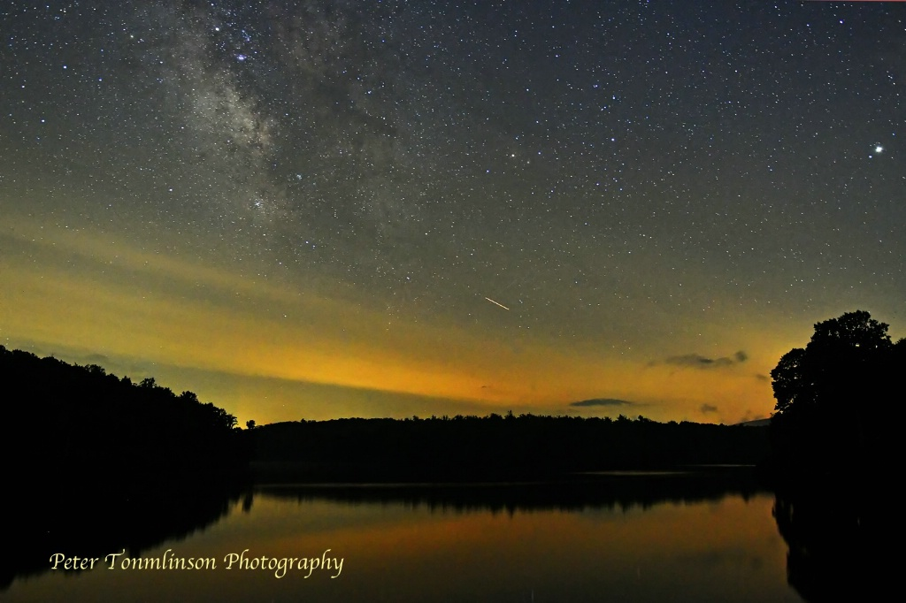 Milky Way and meteor over Price Lake - ID: 15616664 © Peter Tomlinson