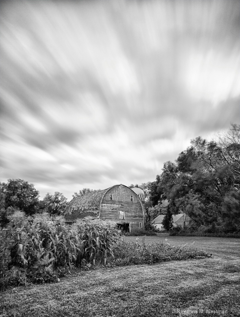 Abandoned barn as time passes by - North Dakota