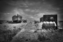 Artefacts in Dungeness in B/W