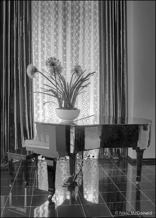 Piano, Art Deco Style