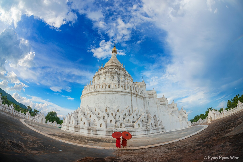 Little Novices and White Temple
