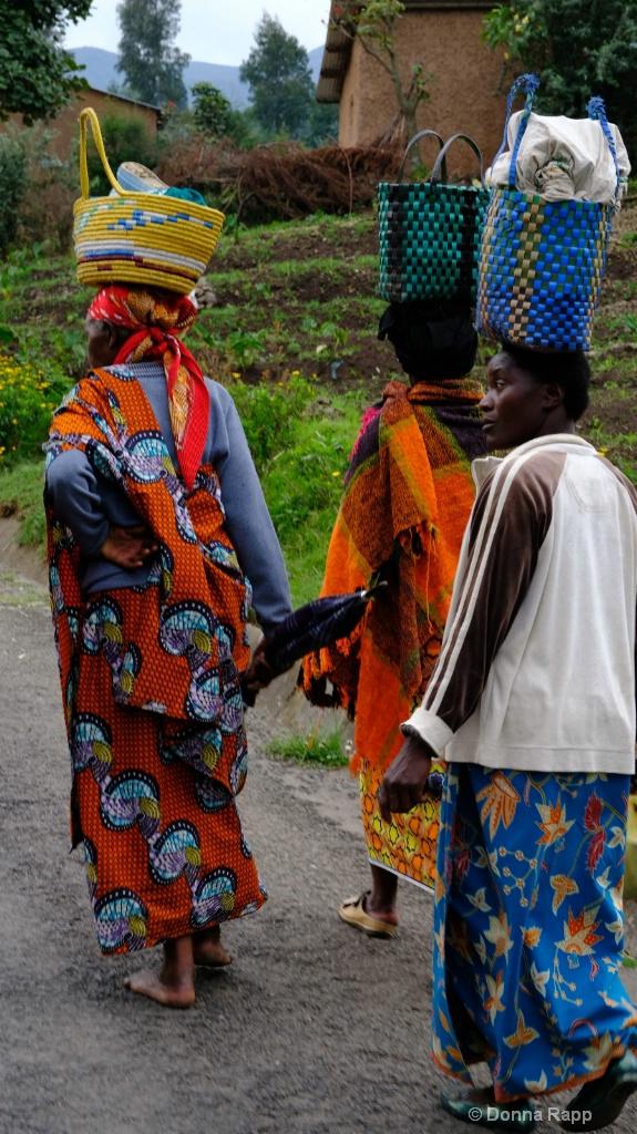 three ladies walking - ID: 15633985 © Donna Rapp