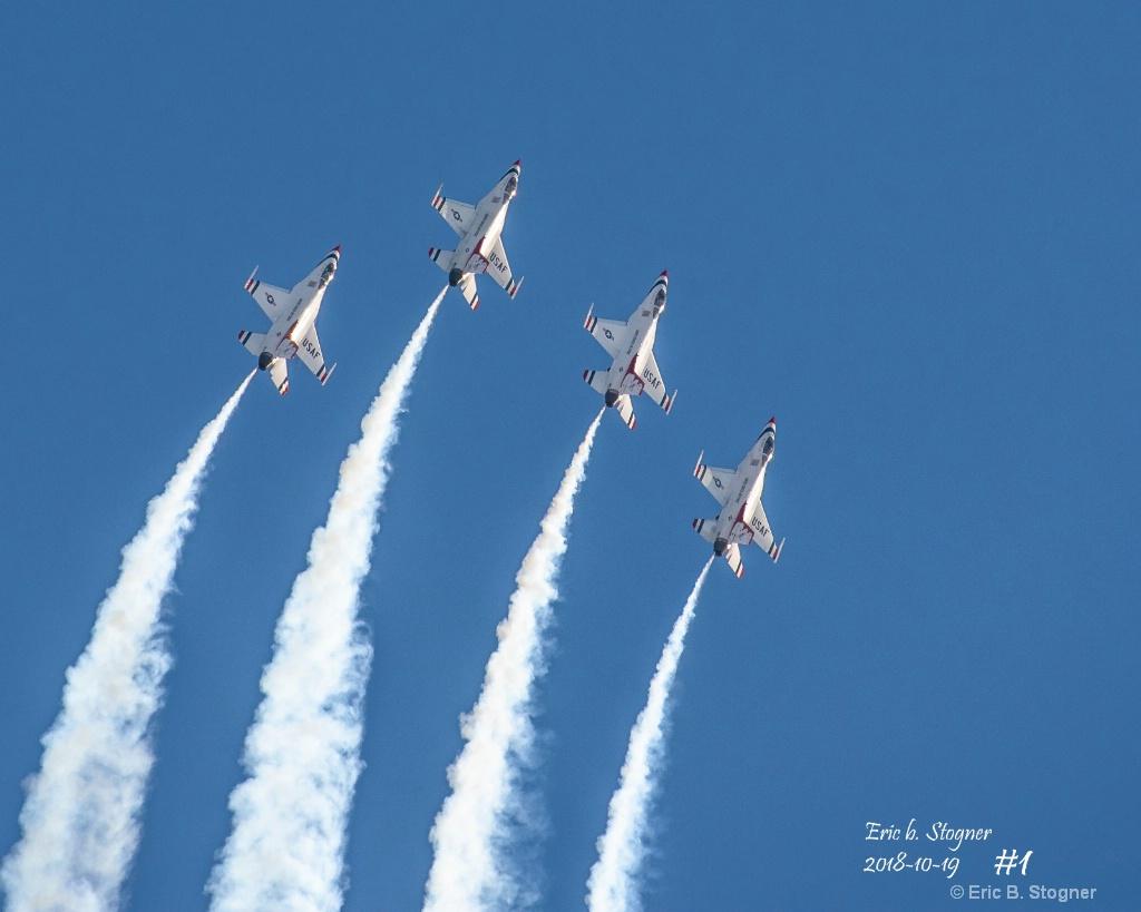 USAF ThunderBirds. - ID: 15640620 © Eric B. Stogner