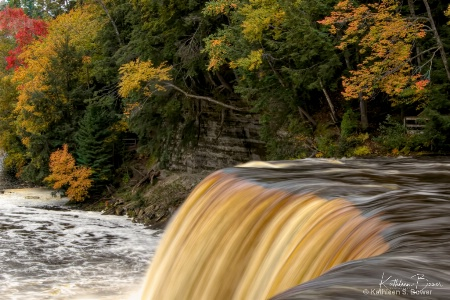 Tahquanemon Falls