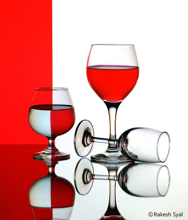 GLASS IN RED & WHITE