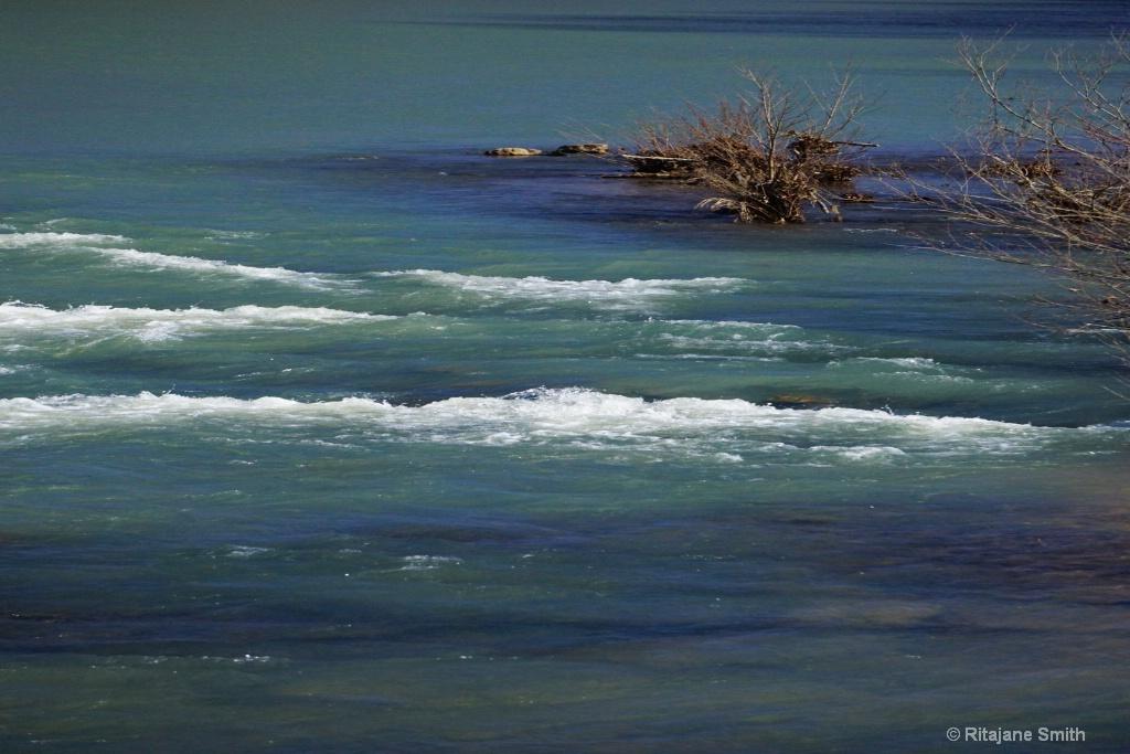 White River Area - ID: 15701350 © Rita Jane Smith