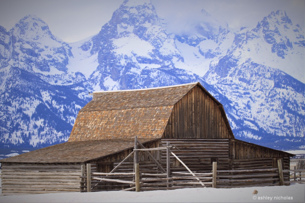 Mormon Barn - ID: 15716043 © ashley nicholas