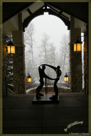 Beaver Creek Artistic Statue (Color)