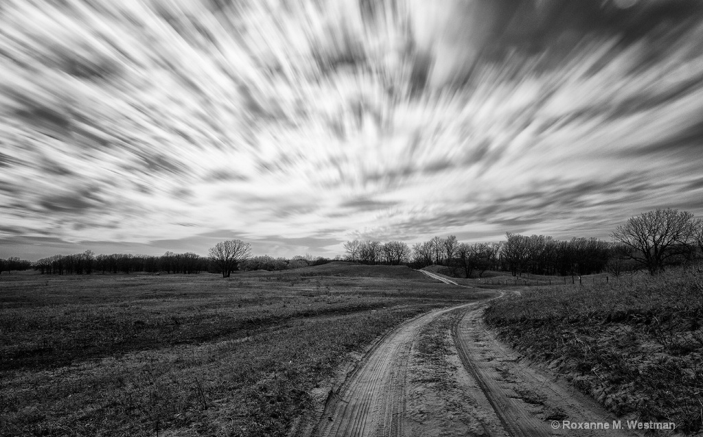 The road back through time - ID: 15718574 © Roxanne M. Westman